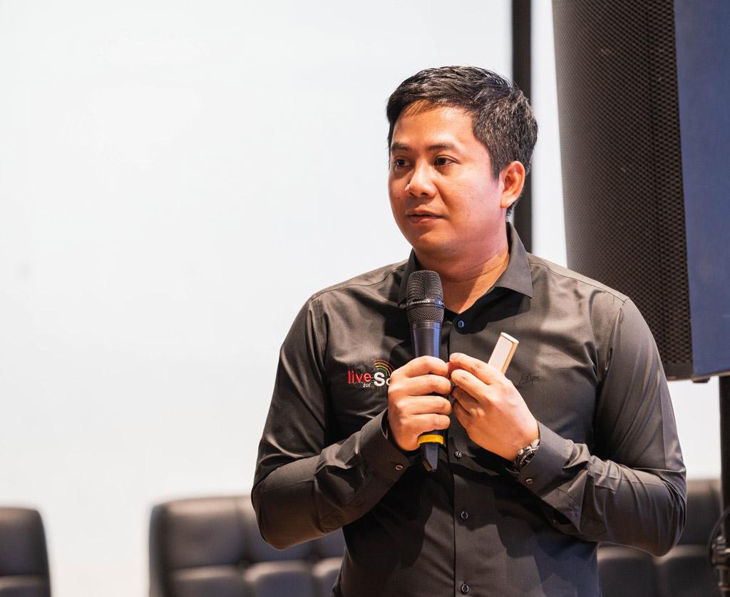 https://www.liveforsound.com/our-speaker/throngpon-jaemjaeng/